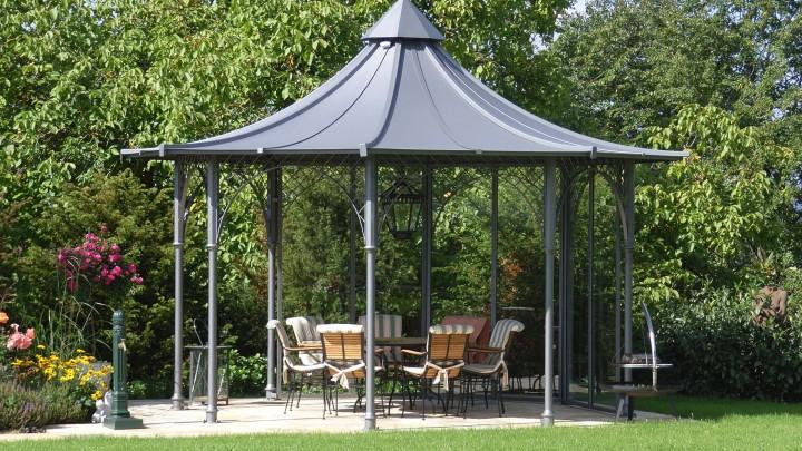 Gartenpavillon aus metall mit dach aktuelletrends for Haus aus metall